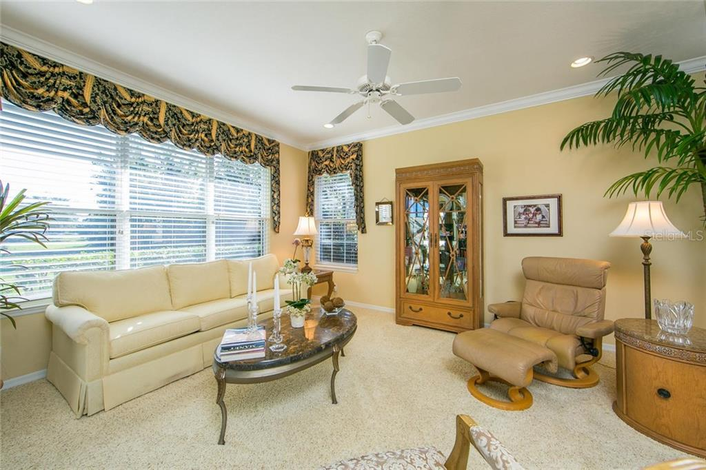 Villa for sale at 7002 Woodmore Ter, Lakewood Ranch, FL 34202 - MLS Number is A4204565
