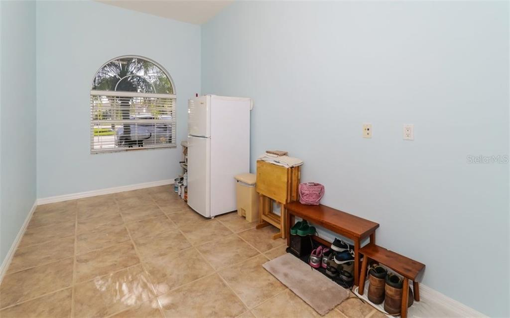 Bonus Room off Kitchen Area - Single Family Home for sale at 460 Otter Creek Dr, Venice, FL 34292 - MLS Number is A4205372