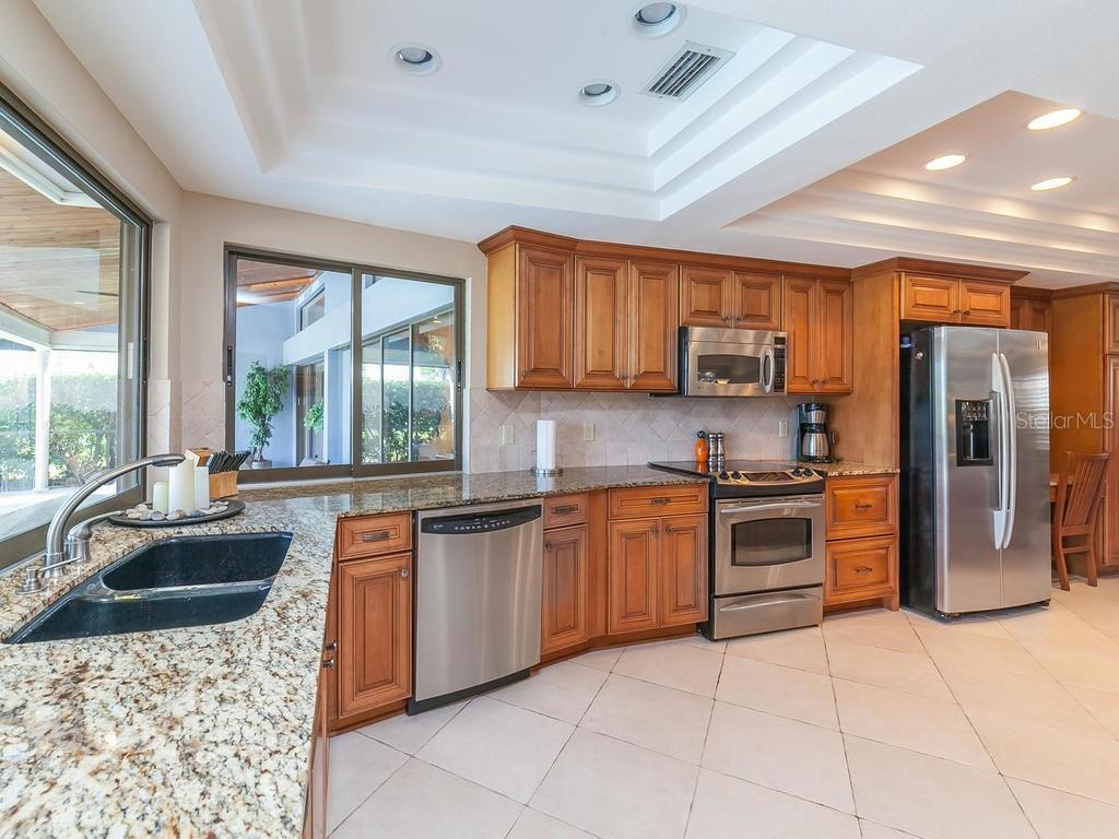 Another view of the spacious kitchen - Single Family Home for sale at 3959 Prairie Dunes Dr, Sarasota, FL 34238 - MLS Number is A4205907