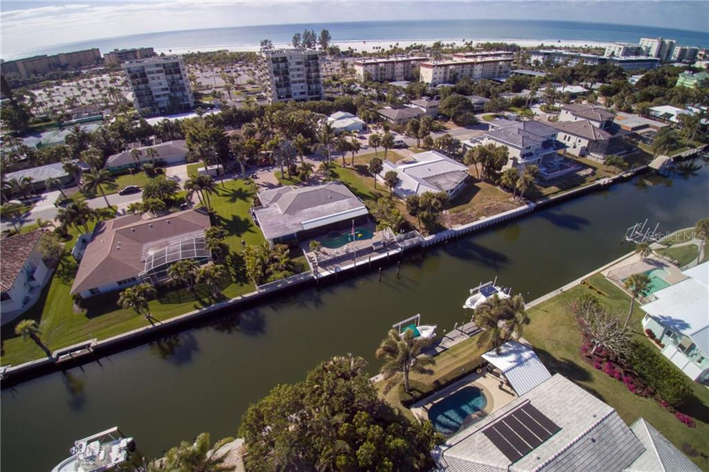 Siesta Key beach is very close. - Single Family Home for sale at 5633 Cape Leyte Dr, Sarasota, FL 34242 - MLS Number is A4207008