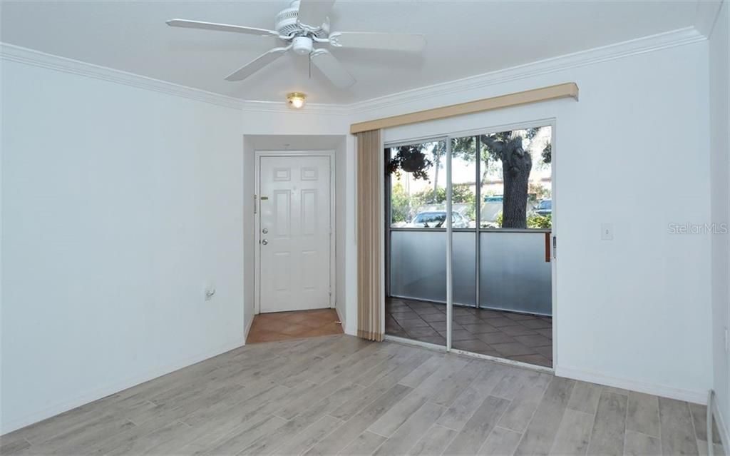 Condo for sale at 850 S Tamiami Trl #104, Sarasota, FL 34236 - MLS Number is A4207608