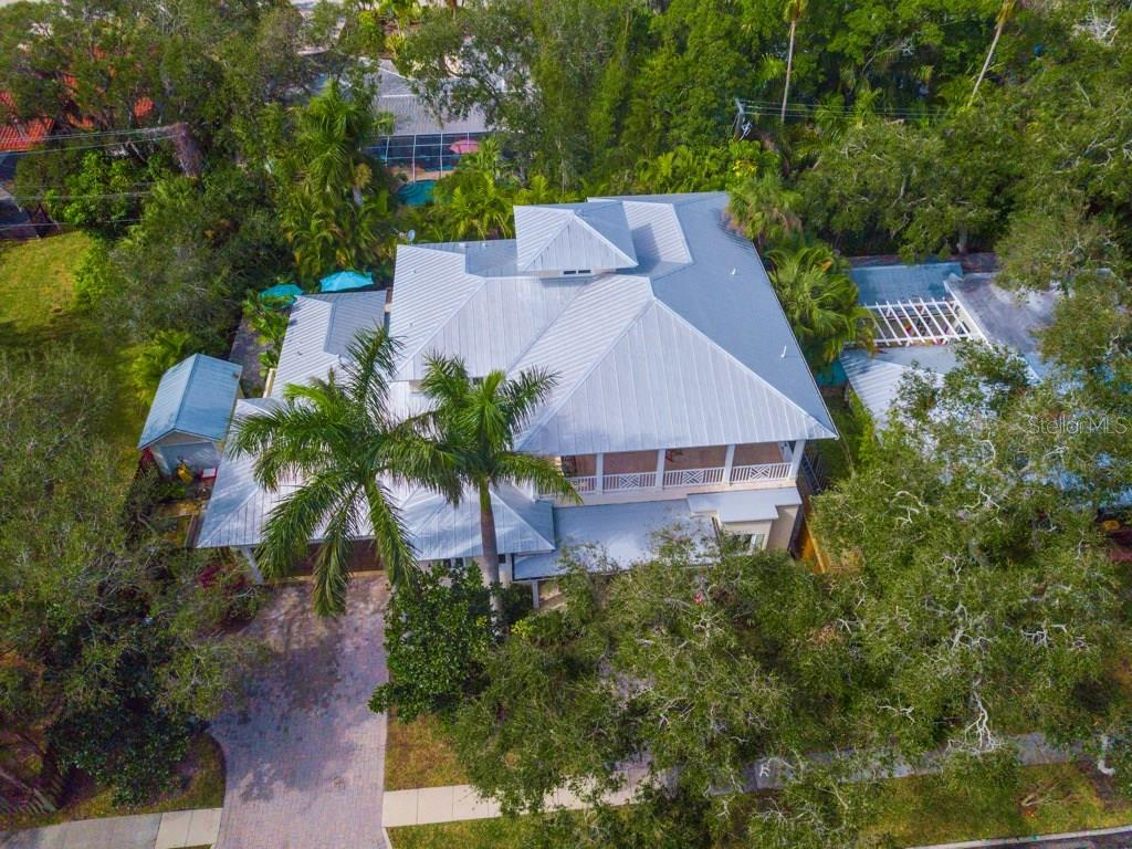 Single Family Home for sale at 3714 Flores Ave, Sarasota, FL 34239 - MLS Number is A4209532