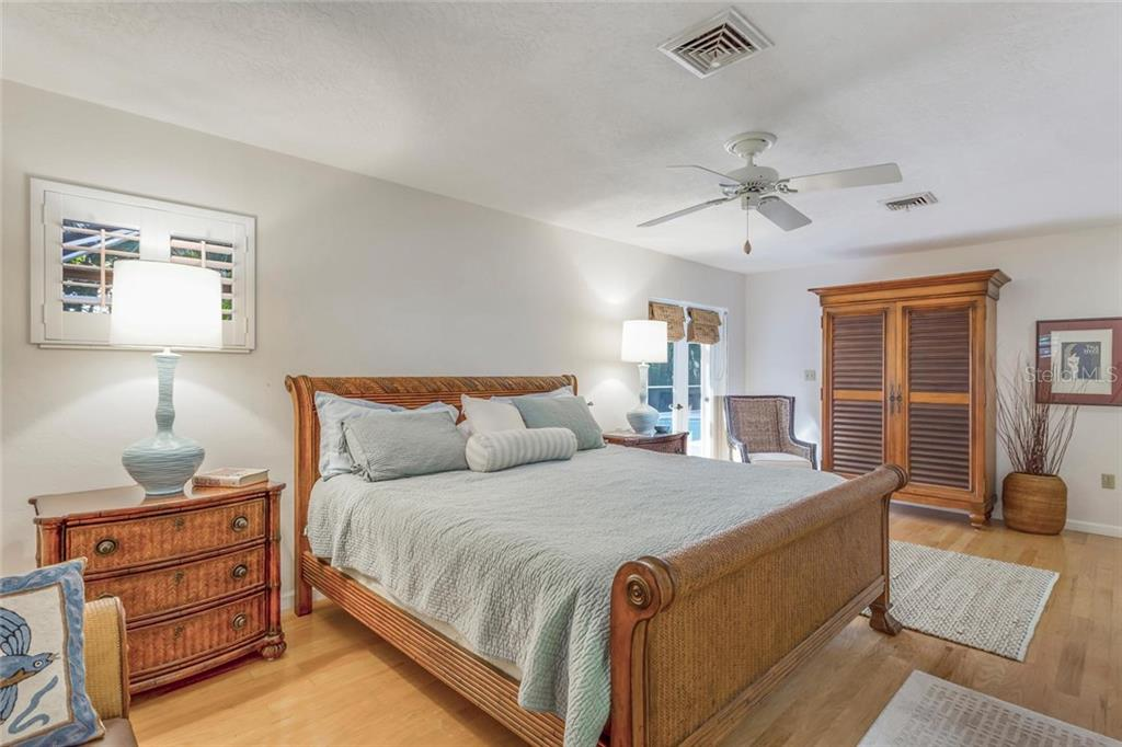 Master bedroom - Single Family Home for sale at 5634 Cape Leyte Dr, Sarasota, FL 34242 - MLS Number is A4209556