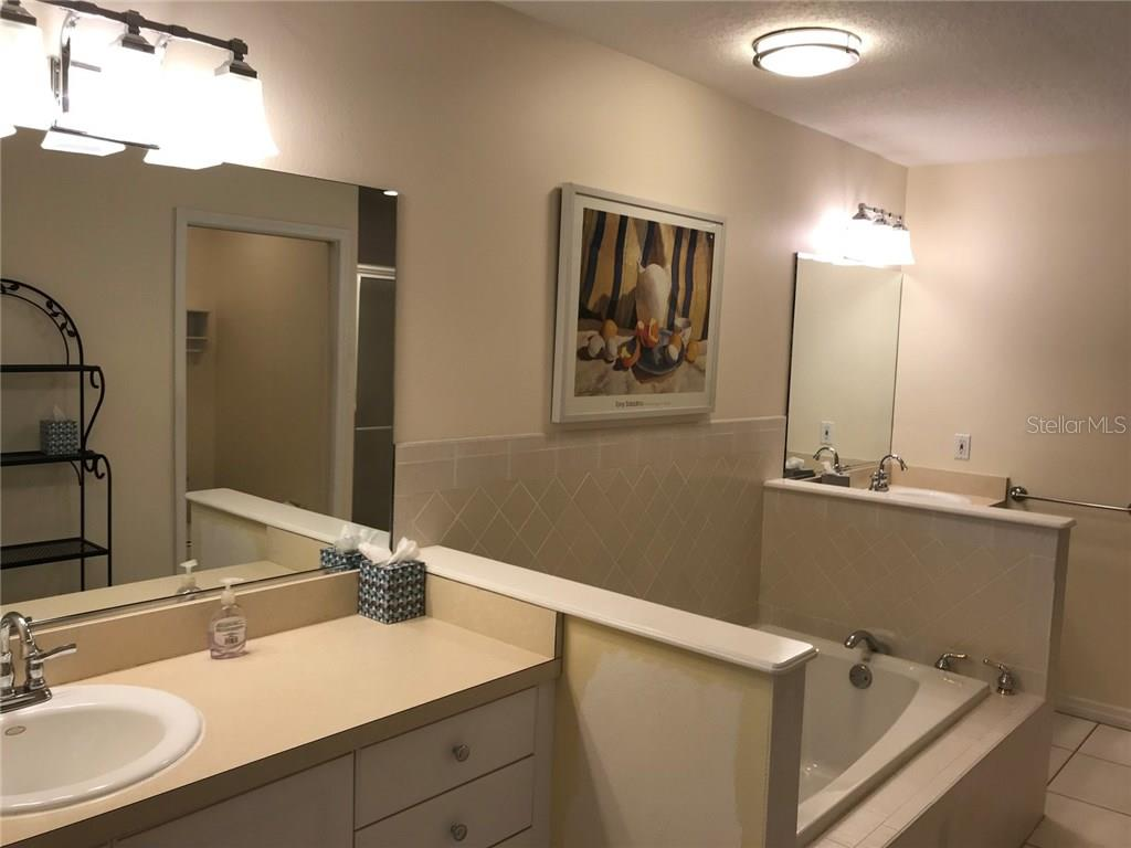 Master bathroom - Single Family Home for sale at 5530 Cape Leyte Dr, Sarasota, FL 34242 - MLS Number is A4209986