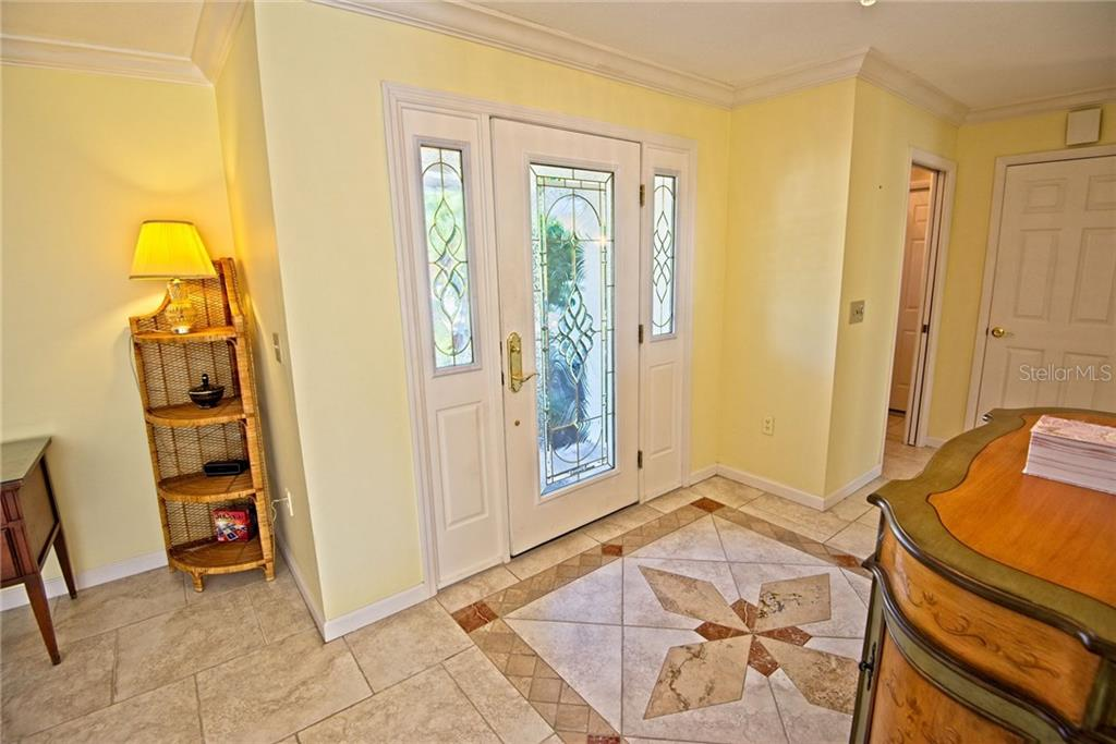 Front door foyer - Single Family Home for sale at 600 Wild Turkey Ln, Sarasota, FL 34236 - MLS Number is A4210585