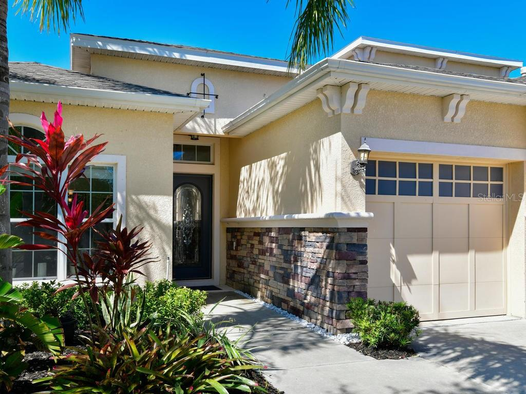 Single Family Home for sale at 118 Peony Ct, Bradenton, FL 34212 - MLS Number is A4212473
