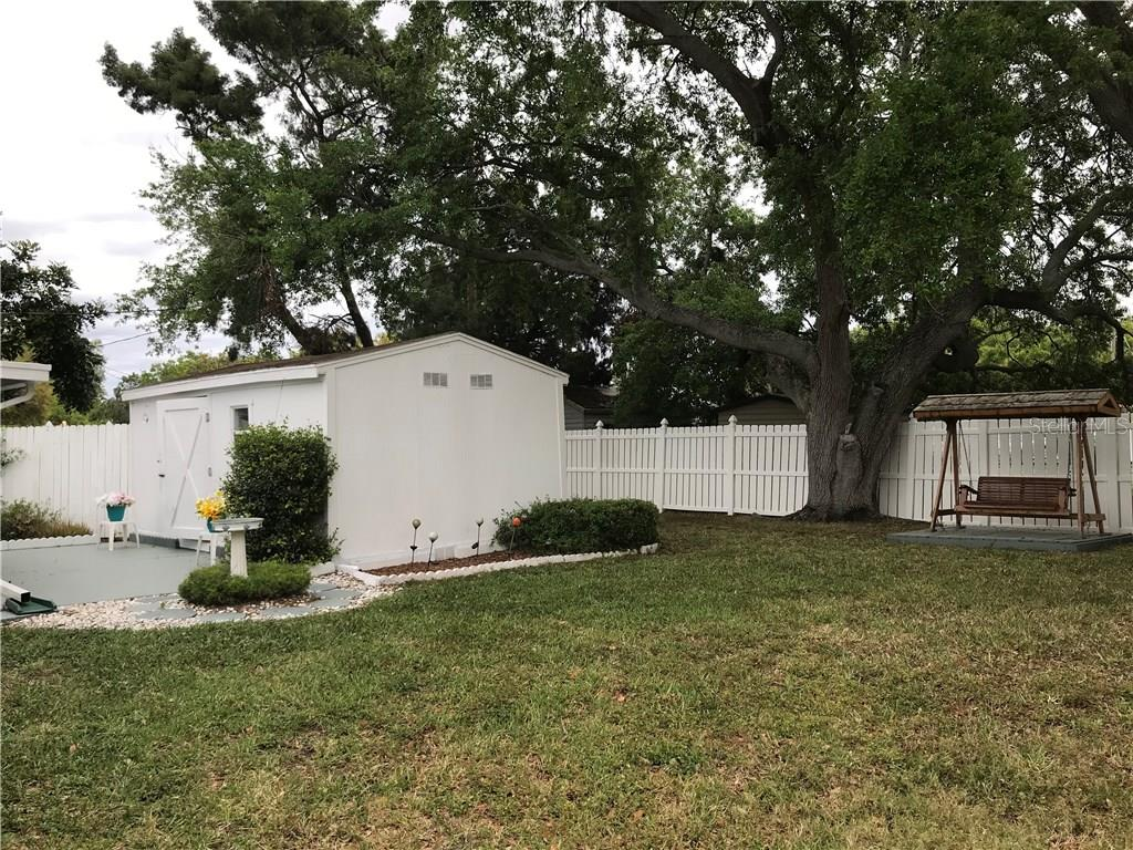 Single Family Home for sale at 5507 25th St W, Bradenton, FL 34207 - MLS Number is A4213207