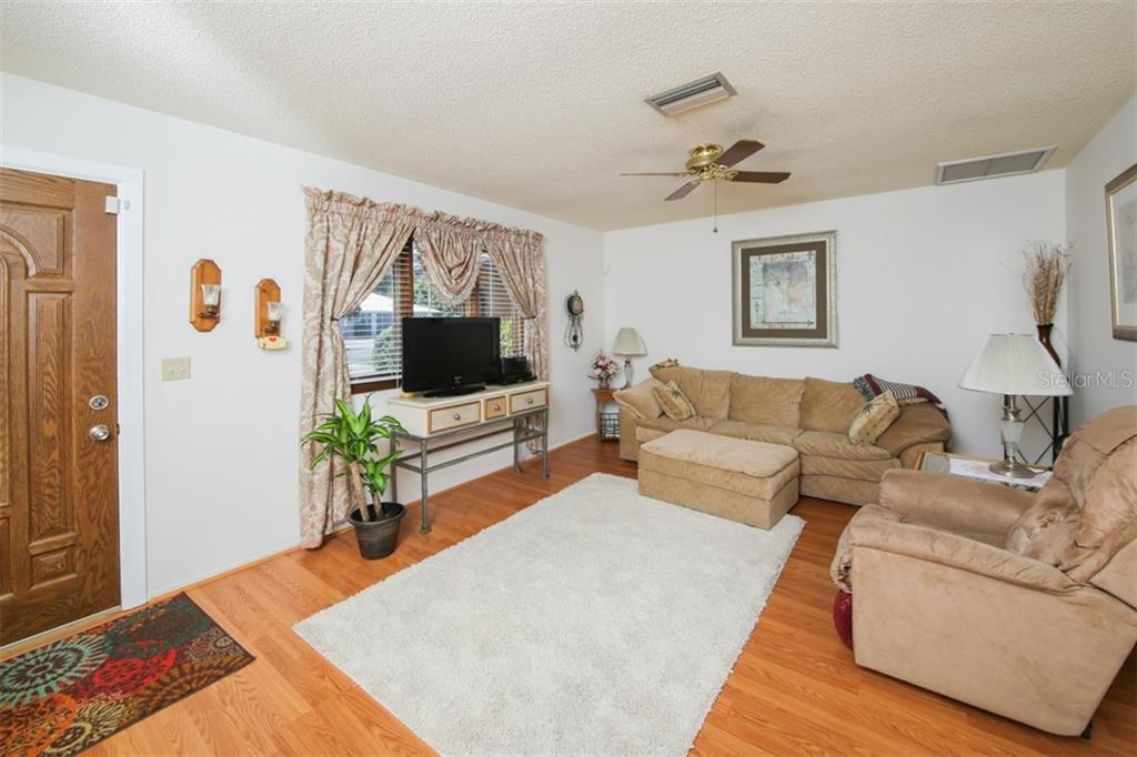 Single Family Home for sale at 2819 52nd Avenue Ter W, Bradenton, FL 34207 - MLS Number is A4213300