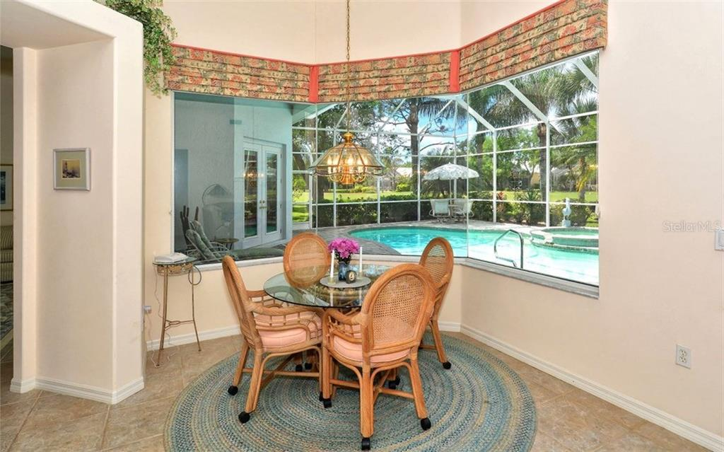 Dinette - Single Family Home for sale at 402 Trenwick Ln, Venice, FL 34293 - MLS Number is A4214615