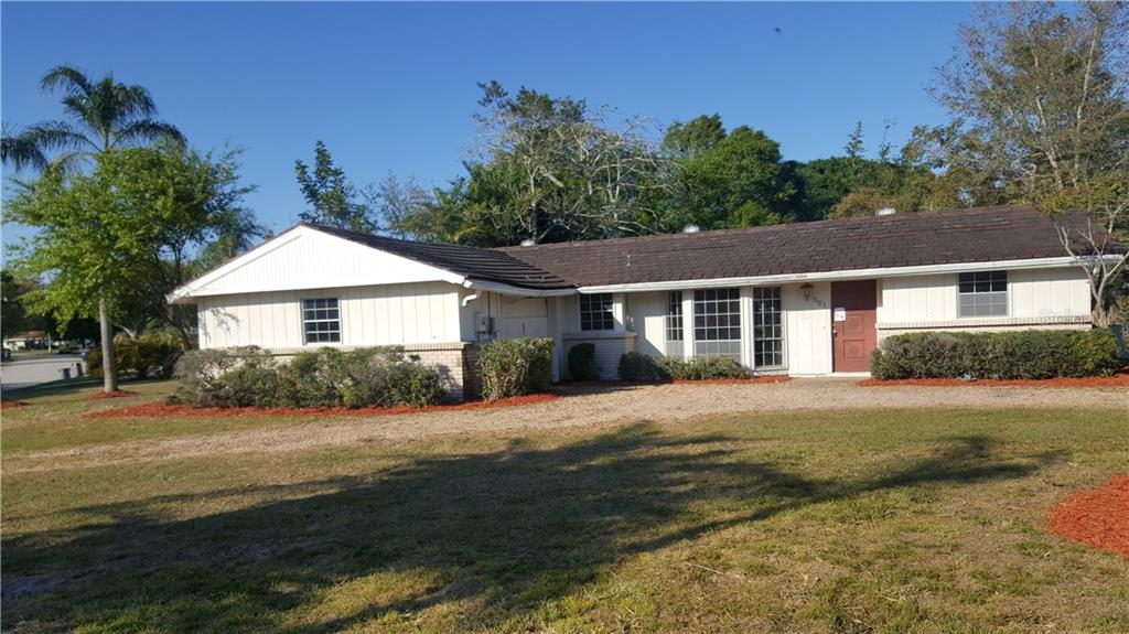 Single Family Home for sale at 3423 Pine Valley Dr, Sarasota, FL 34239 - MLS Number is A4400467
