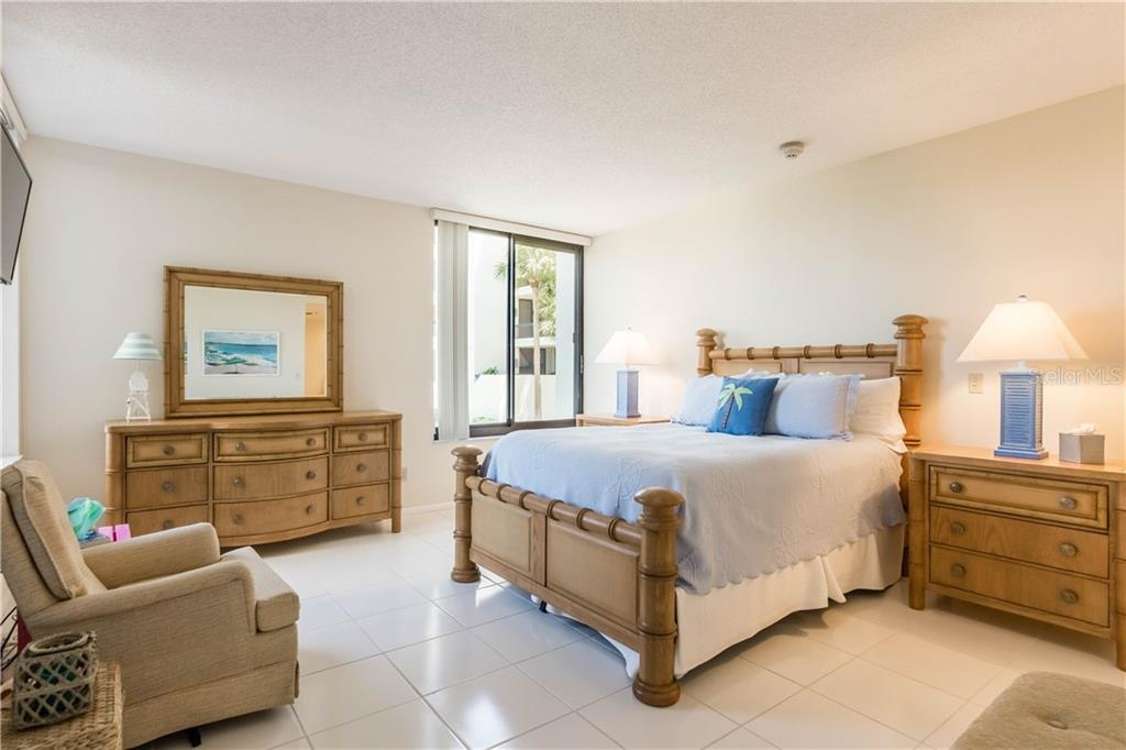 Condo for sale at 1932 Harbourside Dr #216, Longboat Key, FL 34228 - MLS Number is A4401400