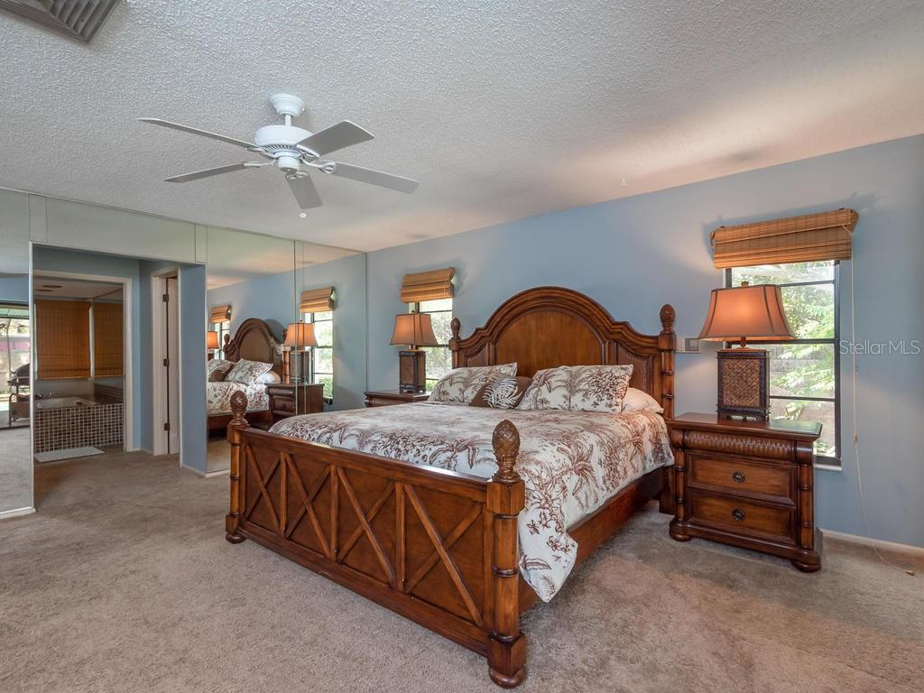 Master suite - Single Family Home for sale at 1173 Morningside Pl, Sarasota, FL 34236 - MLS Number is A4401654