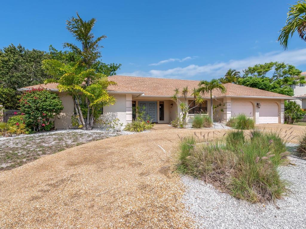 Entrance - Single Family Home for sale at 1173 Morningside Pl, Sarasota, FL 34236 - MLS Number is A4401654