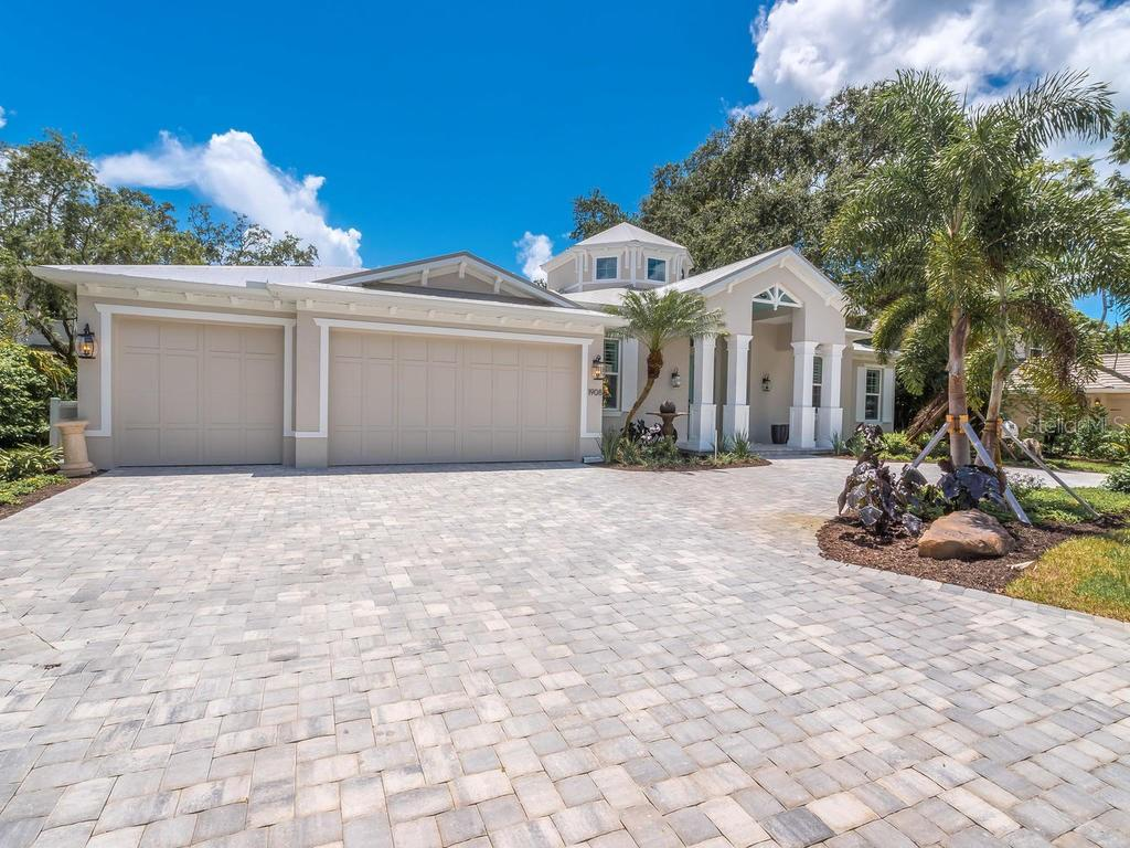 Single Family Home for sale at 335 Bob White Way, Sarasota, FL 34236 - MLS Number is A4402929