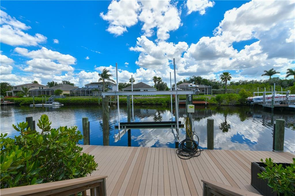 Single Family Home for sale at 3615 Hawk Island Dr, Bradenton, FL 34208 - MLS Number is A4404617