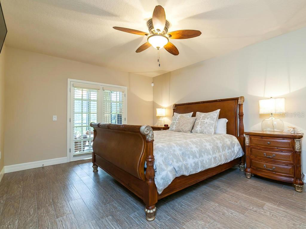 Spacious Master Bedroom - Condo for sale at 4215 Gulf Of Mexico Dr #103, Longboat Key, FL 34228 - MLS Number is A4404956