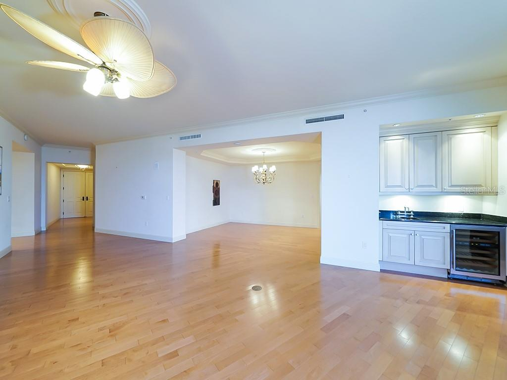 Entryway - Dining Room - Condo for sale at 1300 Benjamin Franklin Dr #1008, Sarasota, FL 34236 - MLS Number is A4405360