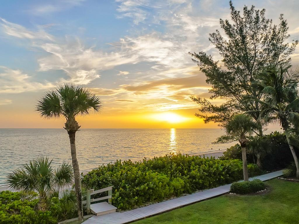 Epic Sunsets Year Round - Single Family Home for sale at 916 N Casey Key Rd, Osprey, FL 34229 - MLS Number is A4408082