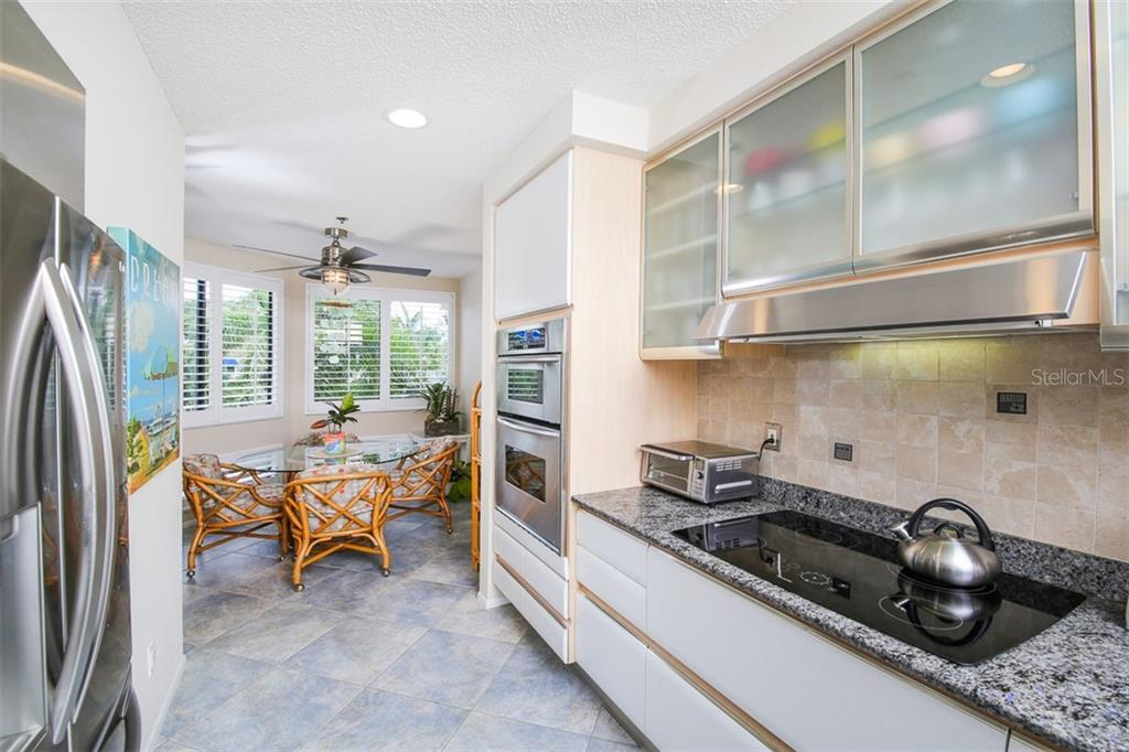 Kitchen and Breakfast Room - Condo for sale at 1910 Harbourside Dr #503, Longboat Key, FL 34228 - MLS Number is A4409634