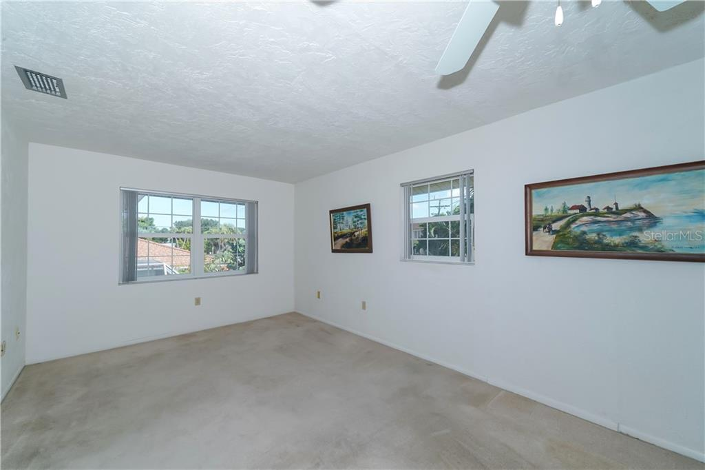 Oversized Living Room - Single Family Home for sale at 5591 Cape Aqua Dr, Sarasota, FL 34242 - MLS Number is A4411099