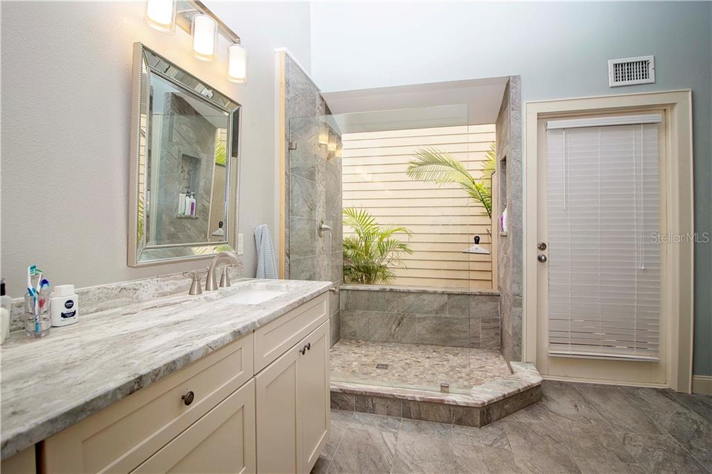 Double Sinks and Walk in Shower - Single Family Home for sale at 1205 Sea Plume Way, Sarasota, FL 34242 - MLS Number is A4414083