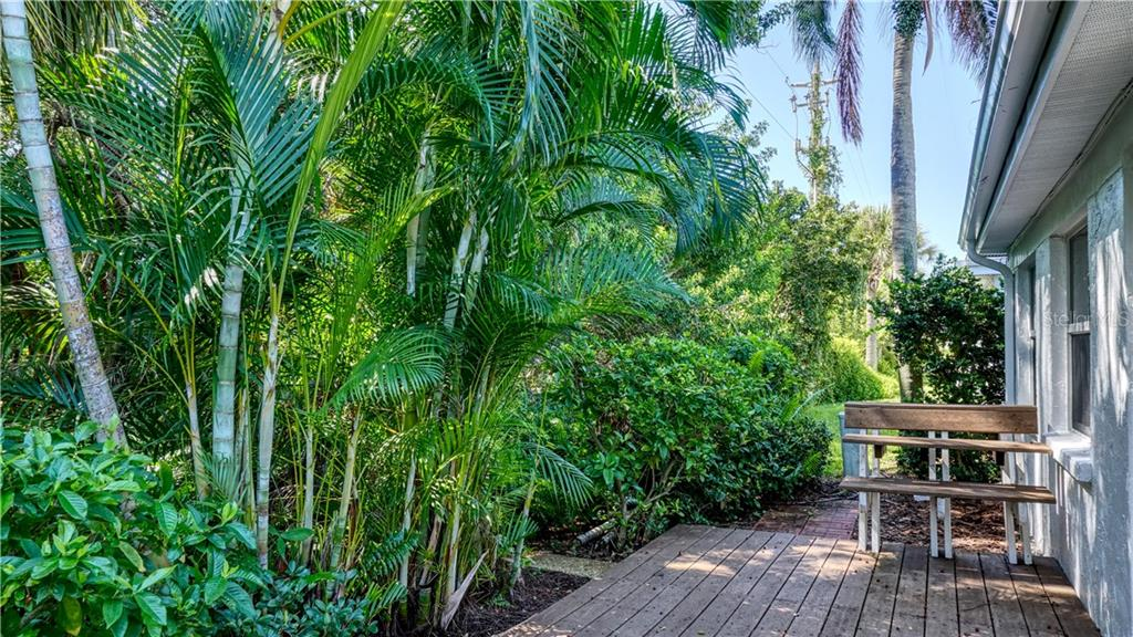 Peaceful, private deck made with durable composite. - Villa for sale at 682 Spanish Dr S, Longboat Key, FL 34228 - MLS Number is A4414905