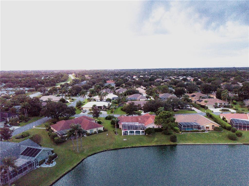 Single Family Home for sale at 5629 Country Lakes Dr, Sarasota, FL 34243 - MLS Number is A4415511