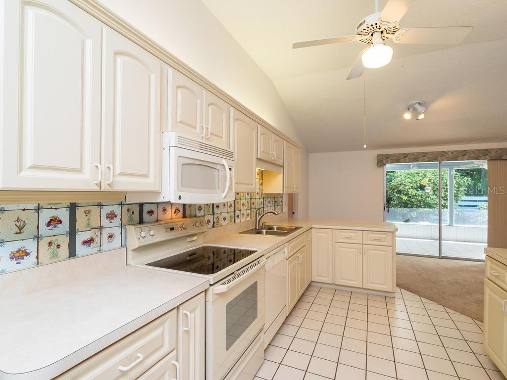 Single Family Home for sale at 1818 Pandora Dr, Sarasota, FL 34231 - MLS Number is A4416501