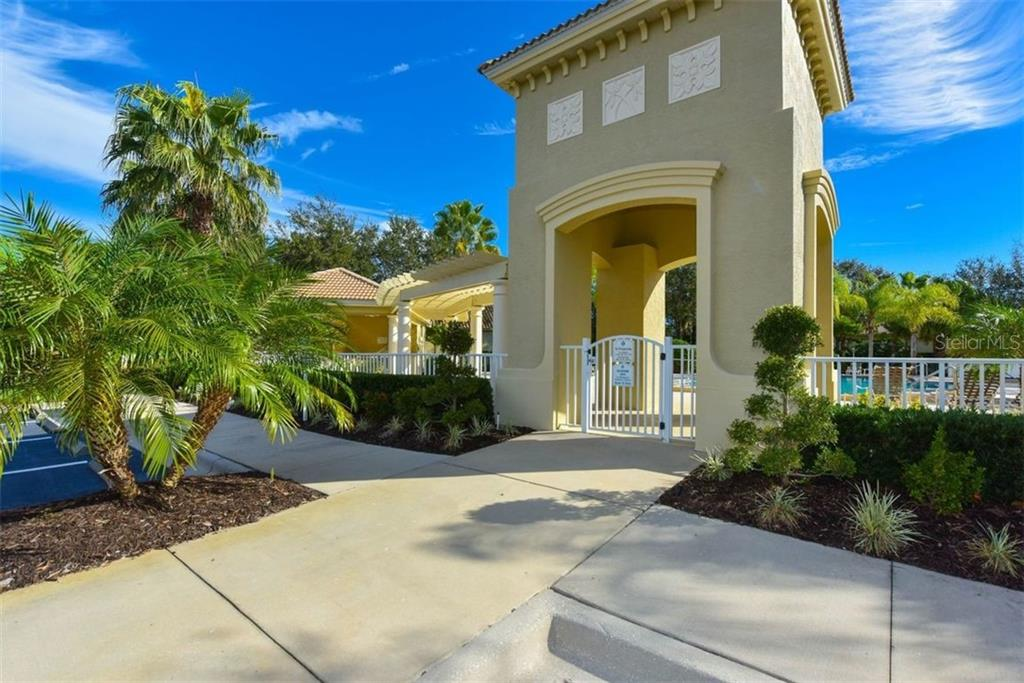 Whitemarsh Community Pool - Single Family Home for sale at 7060 Whitemarsh Cir, Lakewood Ranch, FL 34202 - MLS Number is A4417363