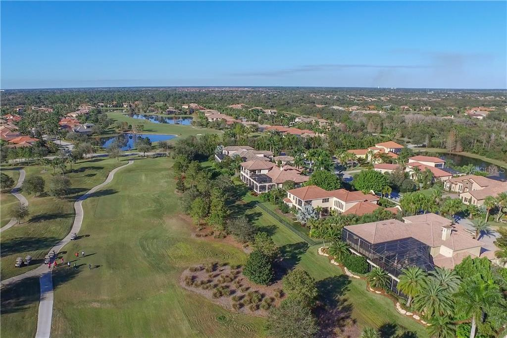 Single Family Home for sale at 7120 Teal Creek Gln, Lakewood Ranch, FL 34202 - MLS Number is A4417983