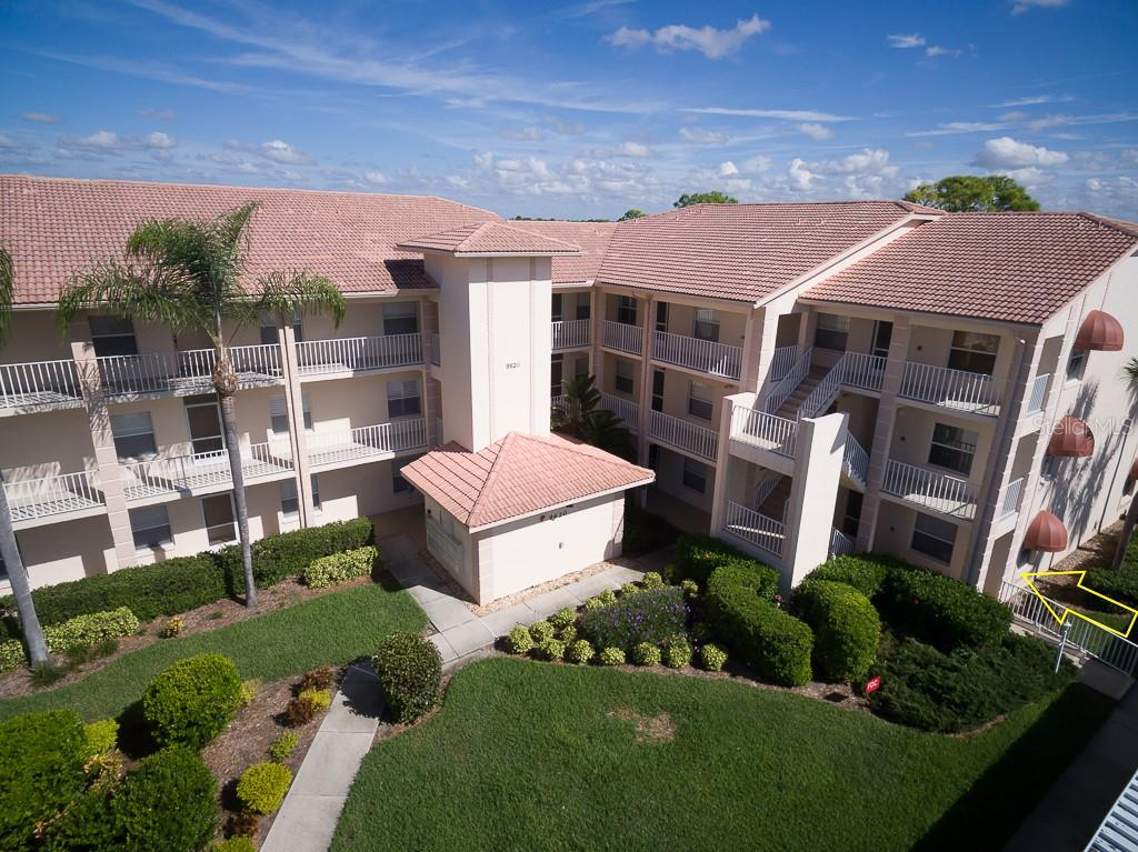 Professionally landscaped building - Condo for sale at 9620 Club South Cir #5110, Sarasota, FL 34238 - MLS Number is A4418081