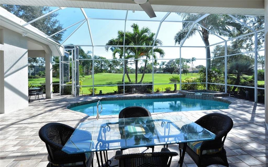 Lanai, pool - Single Family Home for sale at 462 Sherbrooke Ct, Venice, FL 34293 - MLS Number is A4418225
