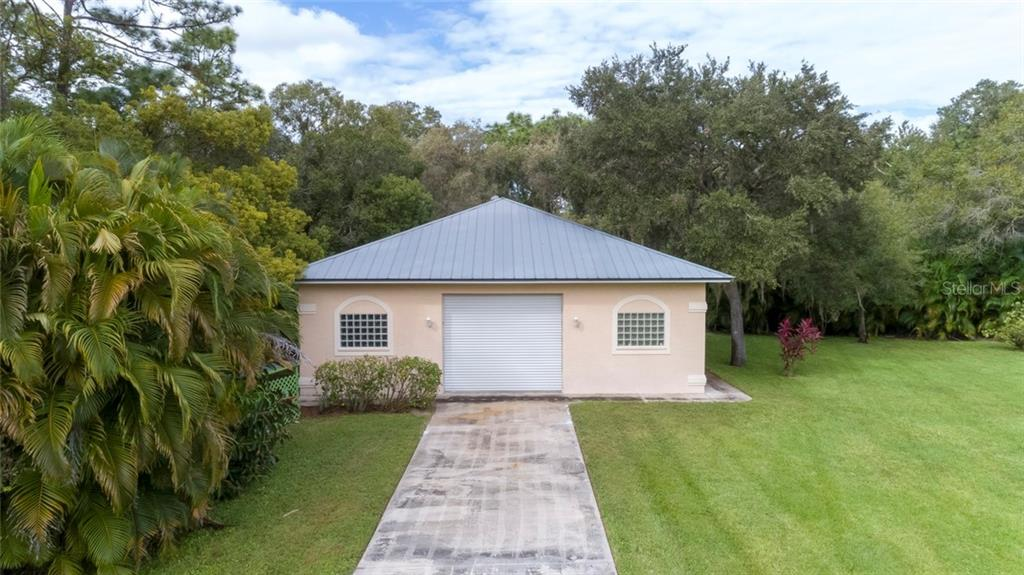 Single Family Home for sale at 2817 51st St, Sarasota, FL 34234 - MLS Number is A4418965