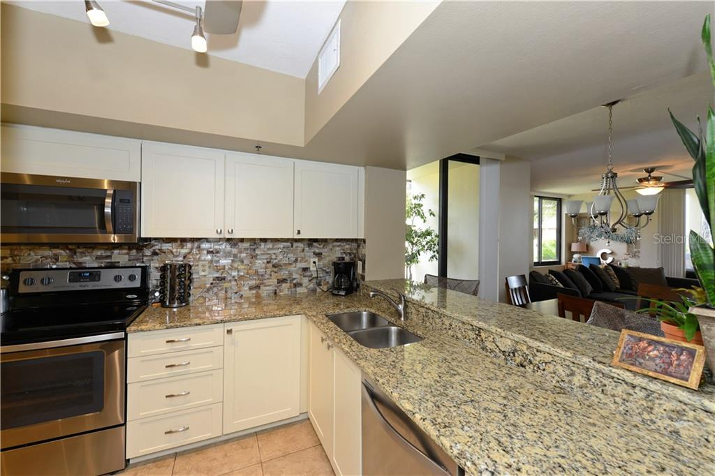 Freshly updated kitchen - Condo for sale at 1930 Harbourside Dr #117, Longboat Key, FL 34228 - MLS Number is A4420232