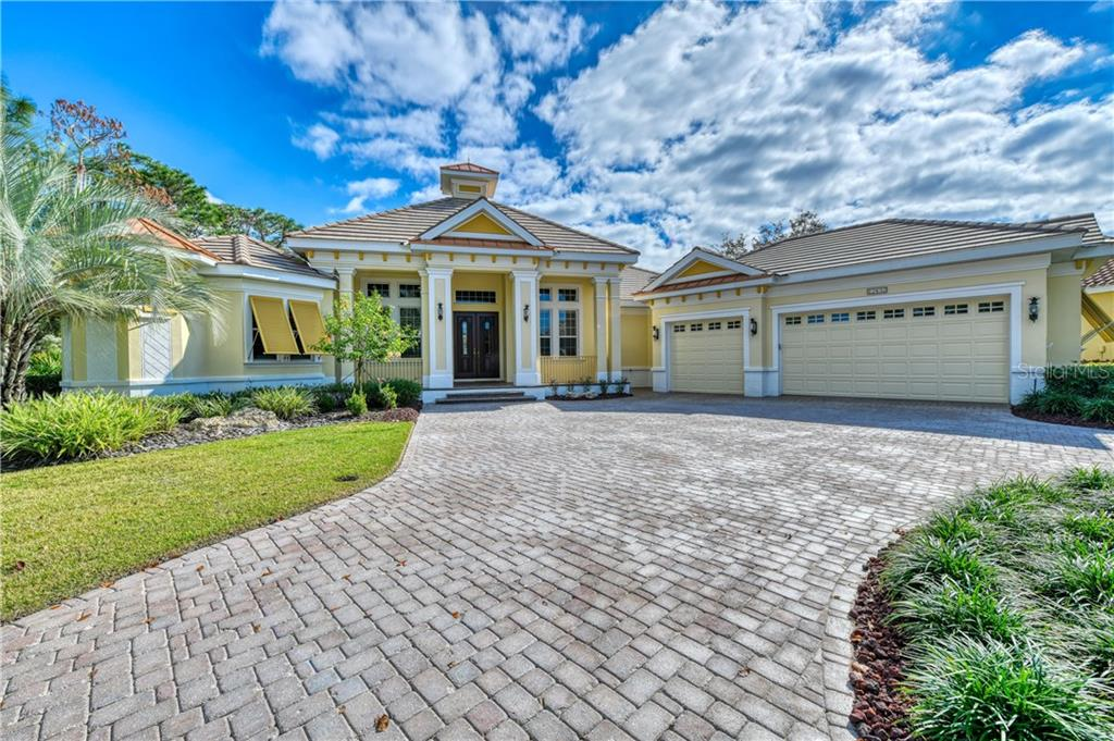 Single Family Home for sale at 12432 Highfield Cir, Lakewood Ranch, FL 34202 - MLS Number is A4421917