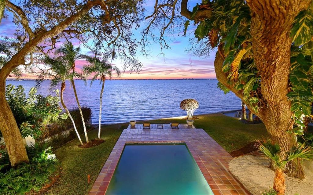 Single Family Home for sale at 3127 Bay Shore Rd, Sarasota, FL 34234 - MLS Number is A4422803