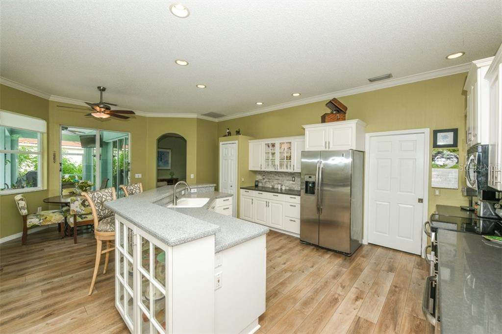 Kitchen - Single Family Home for sale at 6161 Varedo Ct, Sarasota, FL 34243 - MLS Number is A4422883