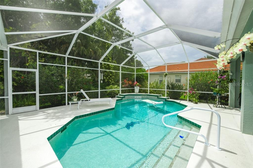 Single Family Home for sale at 6161 Varedo Ct, Sarasota, FL 34243 - MLS Number is A4422883
