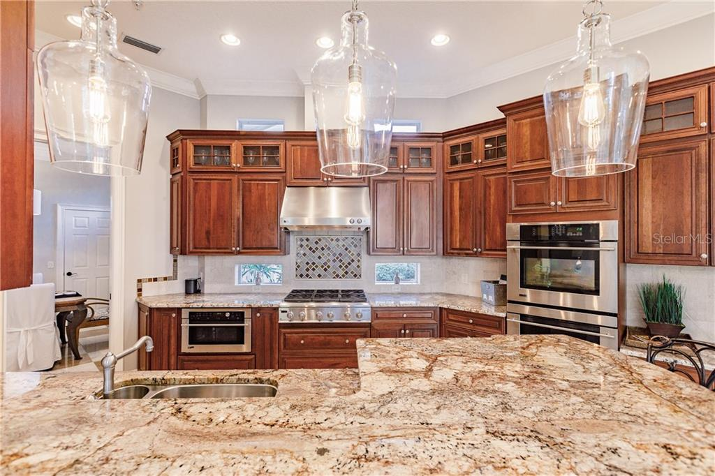 Kitchen - Single Family Home for sale at 557 Fore Dr, Bradenton, FL 34208 - MLS Number is A4423161