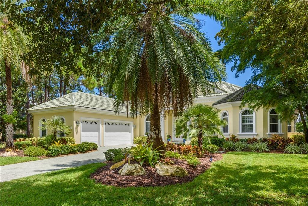 Single Family Home for sale at 8015 Warwick Gardens Ln, University Park, FL 34201 - MLS Number is A4423349