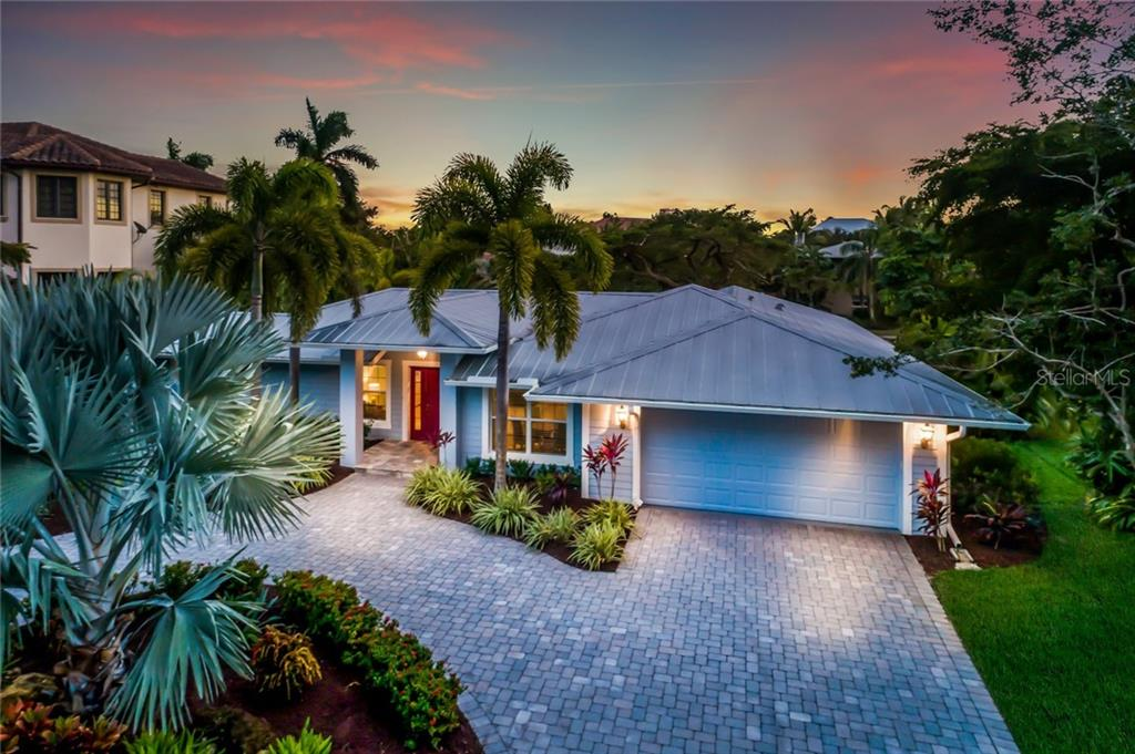 FAQs - Single Family Home for sale at 820 Siesta Key Cir, Sarasota, FL 34242 - MLS Number is A4424412
