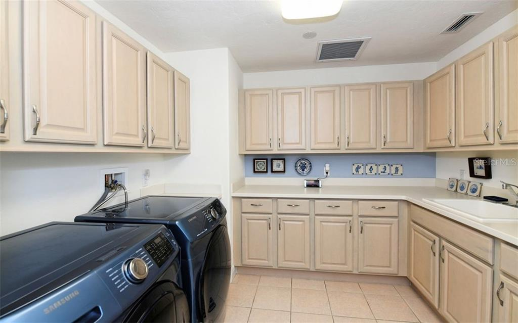 Condo for sale at 258 Golden Gate Pt #202, Sarasota, FL 34236 - MLS Number is A4425127