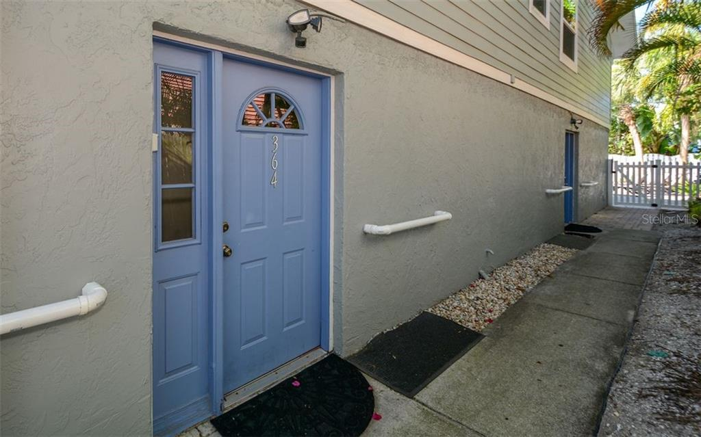 Entrance to side 364 - Duplex/Triplex for sale at 364 E Canal Rd, Sarasota, FL 34242 - MLS Number is A4425762