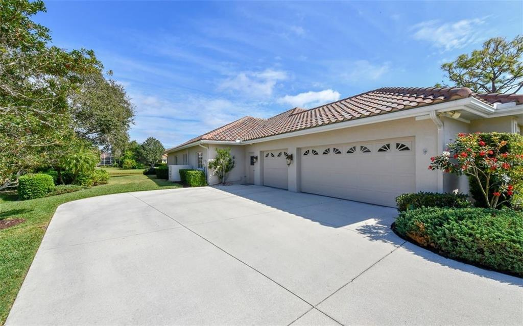 Single Family Home for sale at 7867 Estancia Way, Sarasota, FL 34238 - MLS Number is A4426528