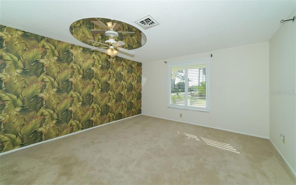 Master Bedroom - Single Family Home for sale at 310 Bayview Pkwy, Nokomis, FL 34275 - MLS Number is A4430065