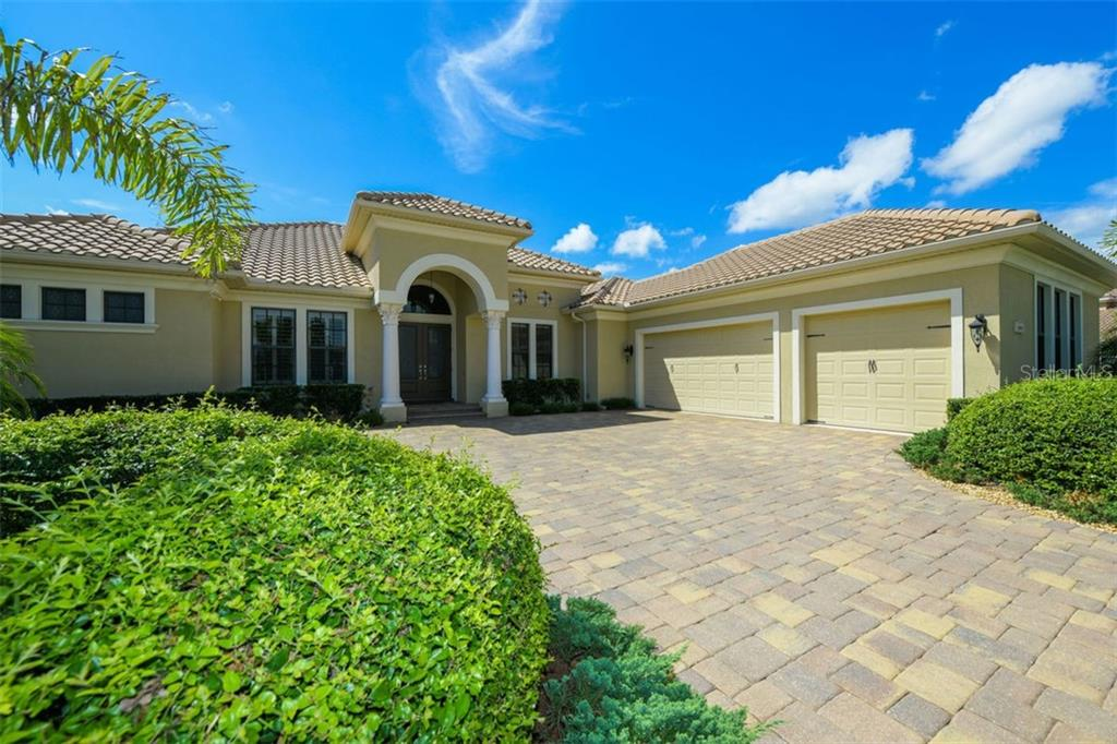 Single Family Home for sale at 14906 Camargo Pl, Lakewood Ranch, FL 34202 - MLS Number is A4430120