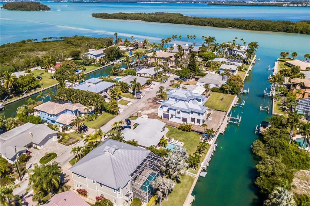 Single Family Home for sale at 702 Norton St, Longboat Key, FL 34228 - MLS Number is A4430196