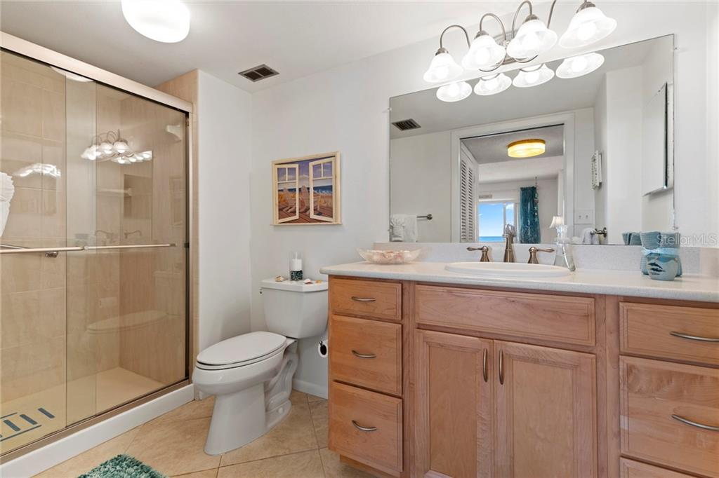Large master suite with Gulf views - Condo for sale at 5300 Gulf Dr #406, Holmes Beach, FL 34217 - MLS Number is A4430634