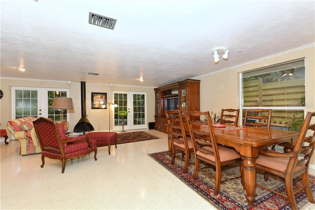 Living space in guest house. - Single Family Home for sale at 6841 Peacock Rd, Sarasota, FL 34242 - MLS Number is A4430828