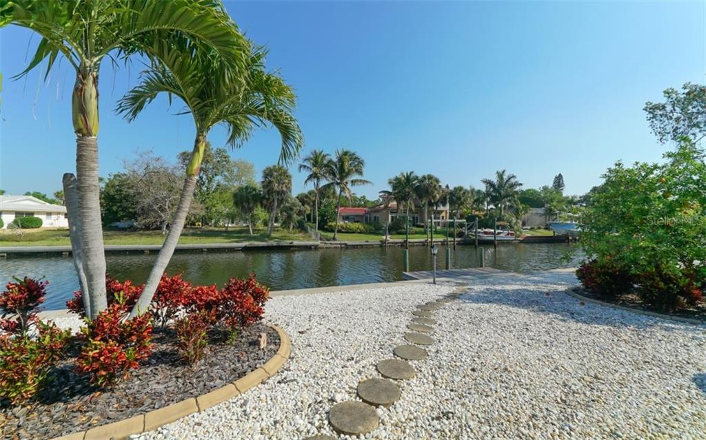 Just steps to the dock - Single Family Home for sale at 935 Contento St, Sarasota, FL 34242 - MLS Number is A4431223